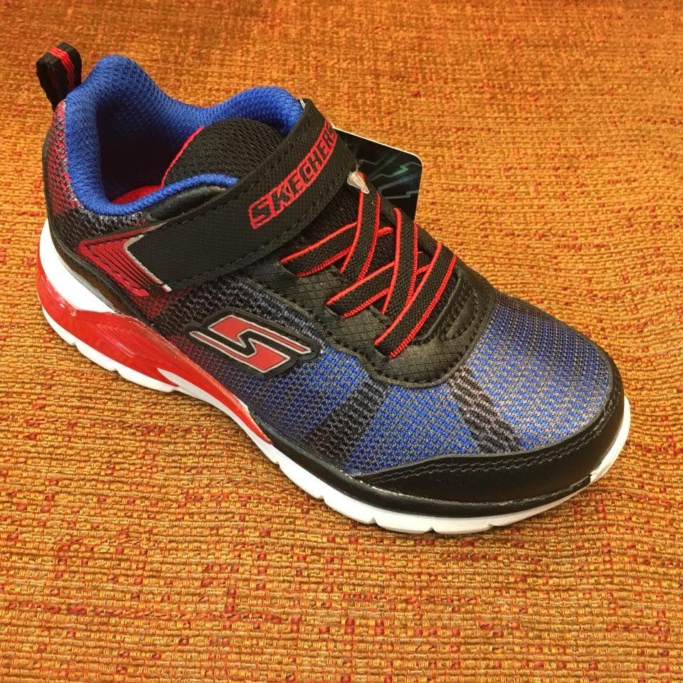 Calzado deportivo de la marca Skechers: Servicios de Calçats Llinàs