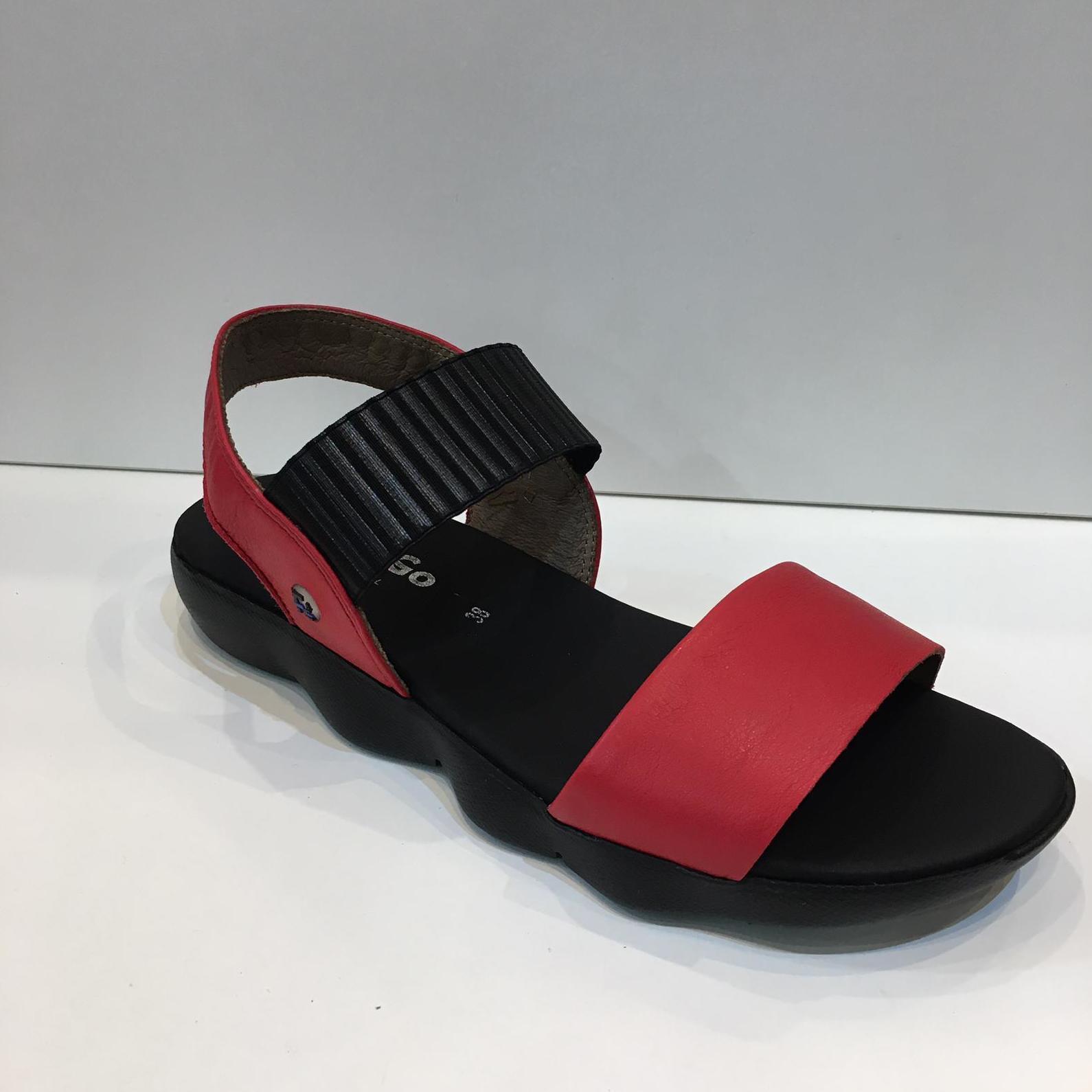 Sandàlia de dona, de la marca Flex&Go, ample especial, amb elàstic adaptable a totes les alçades de pont, plantilla encoixinada amb làtex, sola obercraft antilliscant i amb el mínim pes 66€
