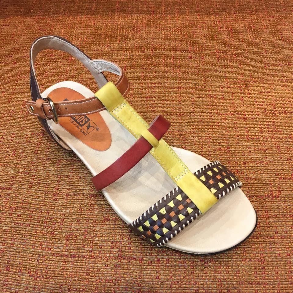 Sandalia de la marca Pikolinos: Servicios de Calçats Llinàs