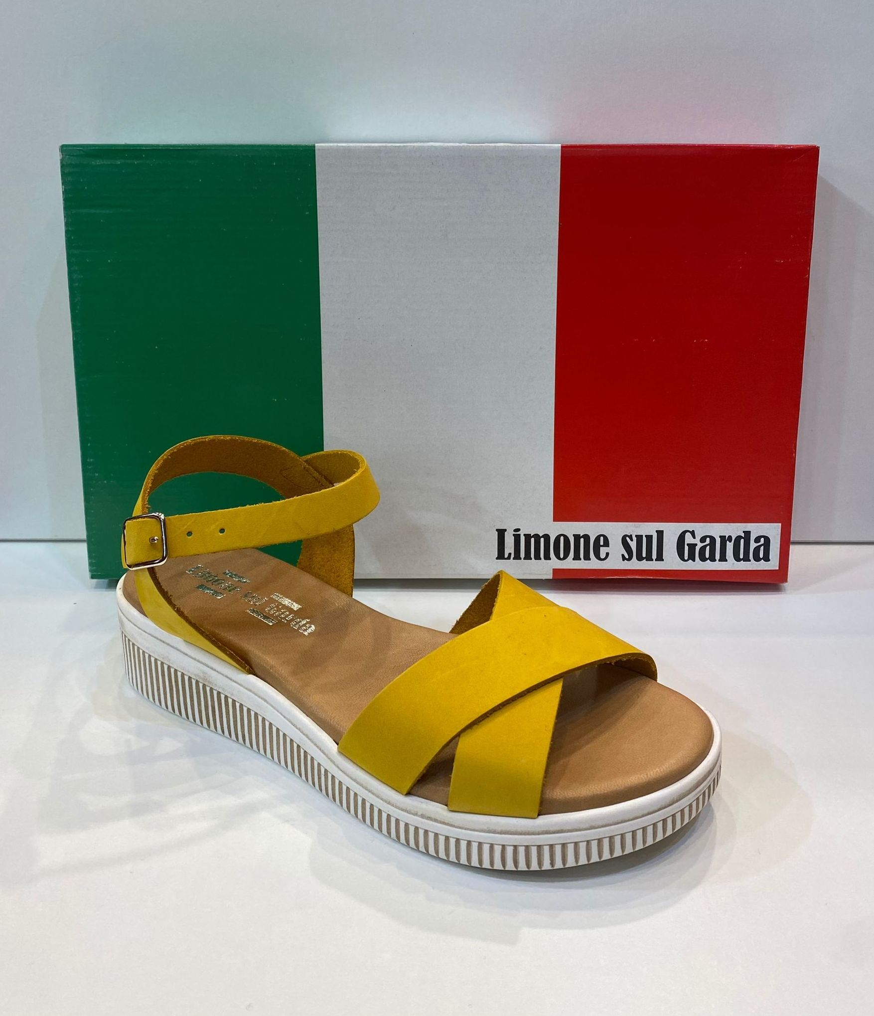 Sandàlia de dona, de la marca Limone Sul Garda, ample especial, plantilla de viscoelàstica, sola de goma 49..90€