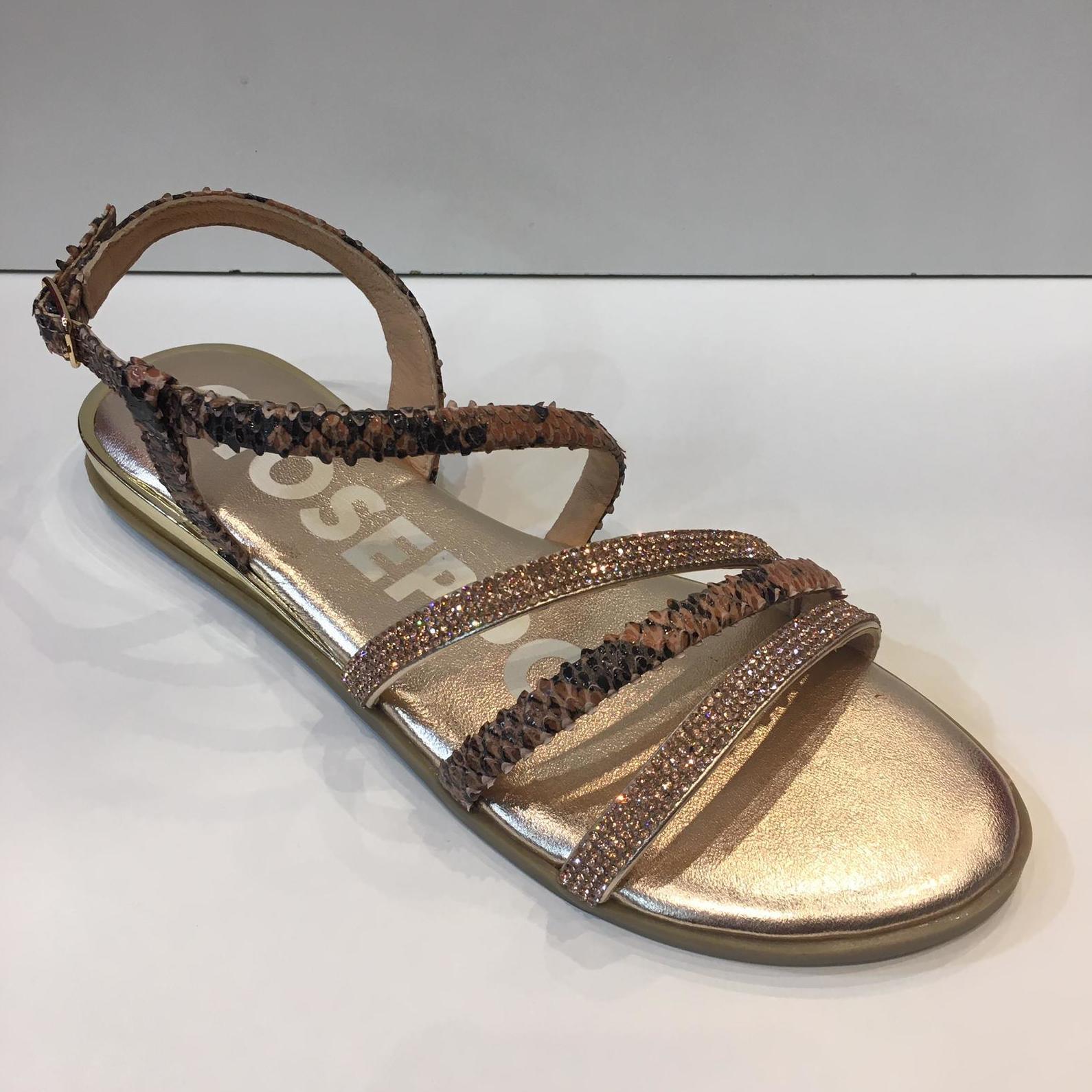 Sandàlies de la marca Gioseppo, de pell i pedreria swarovsky, plantilla encoixinada, sola de goma amb 2 cm de cunya 44.95€