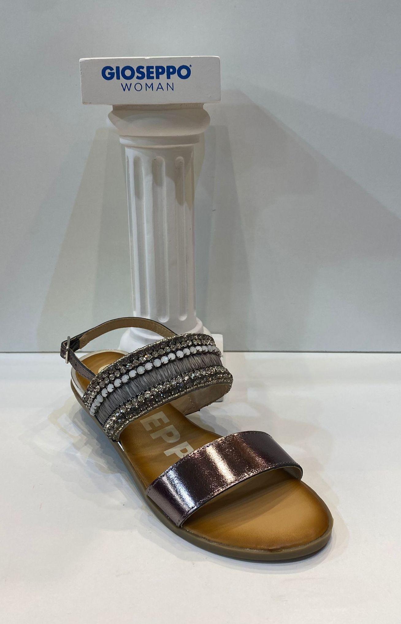 Sandàlia de dona, de la marca Gioseppo, plantilla encoixinada de làtex, sola de goma antilliscant 54.95€