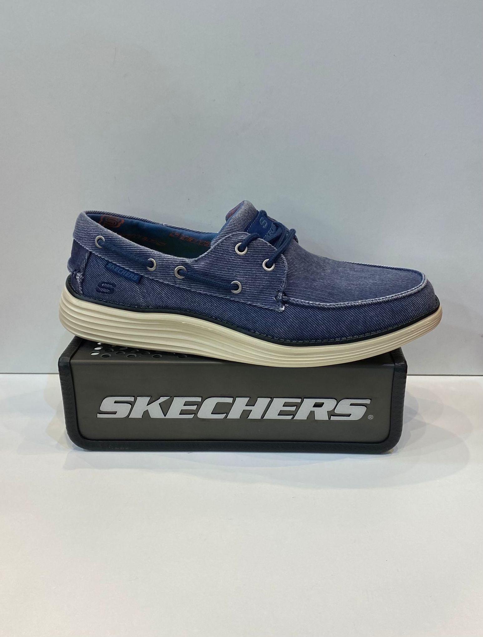 Blucher d'home, de la marca Skechers, plantilla Classic Fit    Air-Cooled ¡Memory Foam, sola de resalite 69.95€
