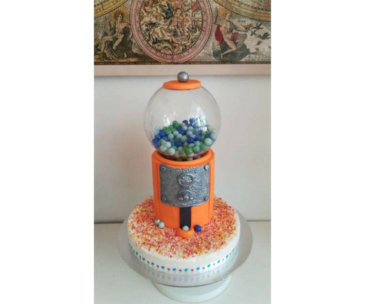 Tarta fondant de máquina con dulces