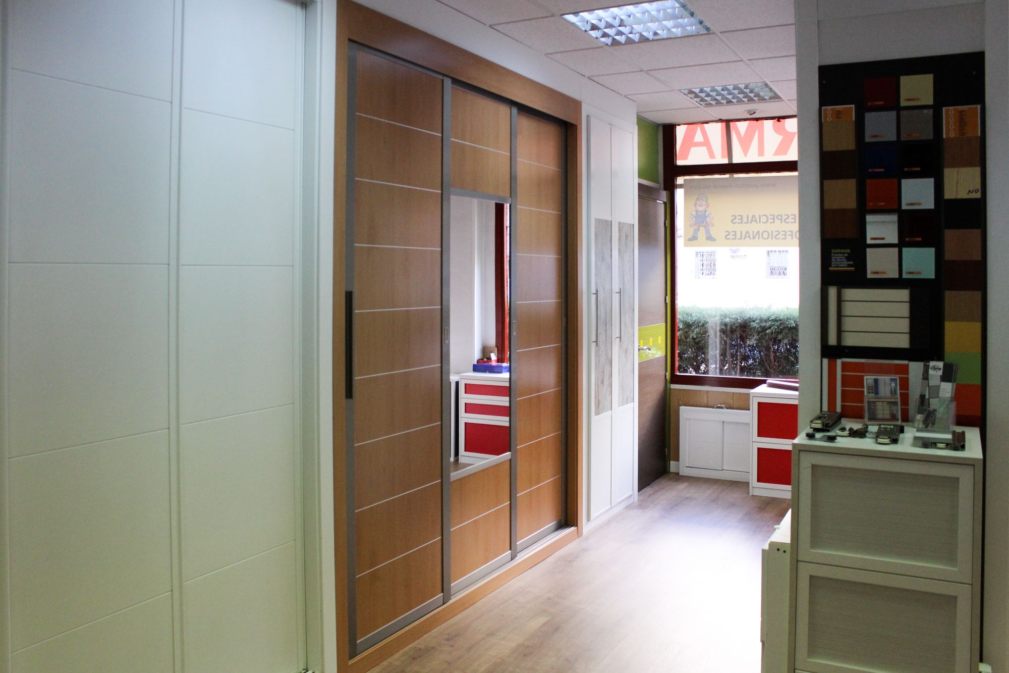 Foto 3 de Diseño y fabricación de puertas y muebles en Ascao en Madrid | Puertas Ascao