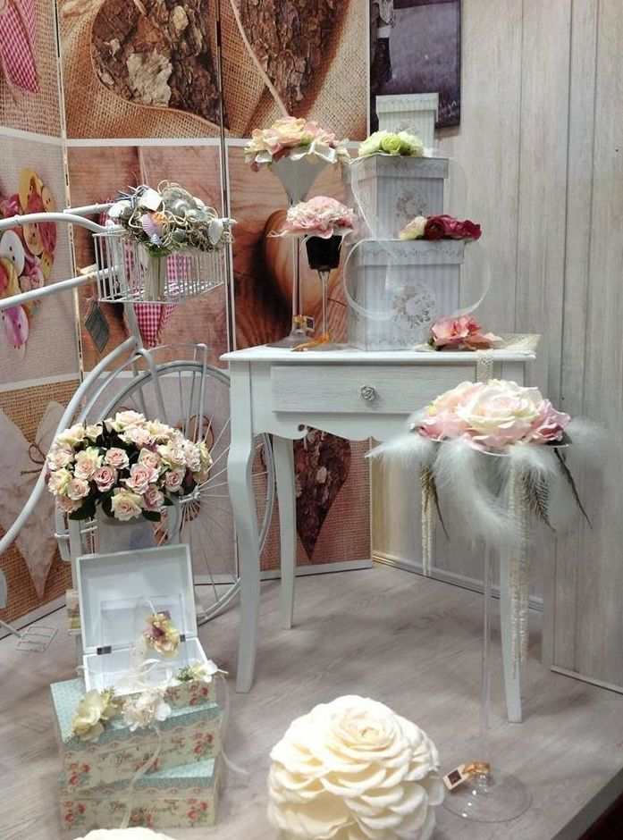 Tocados, accesorios y adornos para bodas