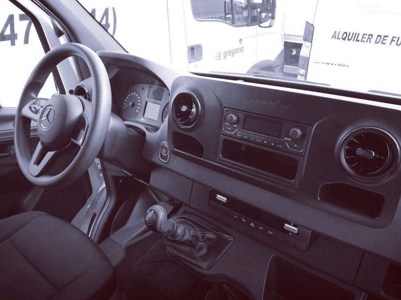 Interior nuevos vehículos Mercedes