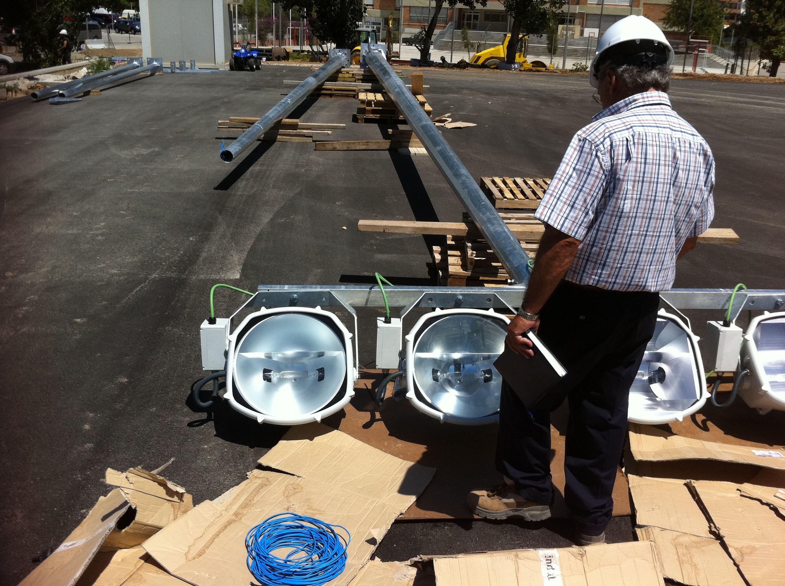 Instalaciones de baja y media tensión: Nuestros servicios de IMESA Instalaciones 2010