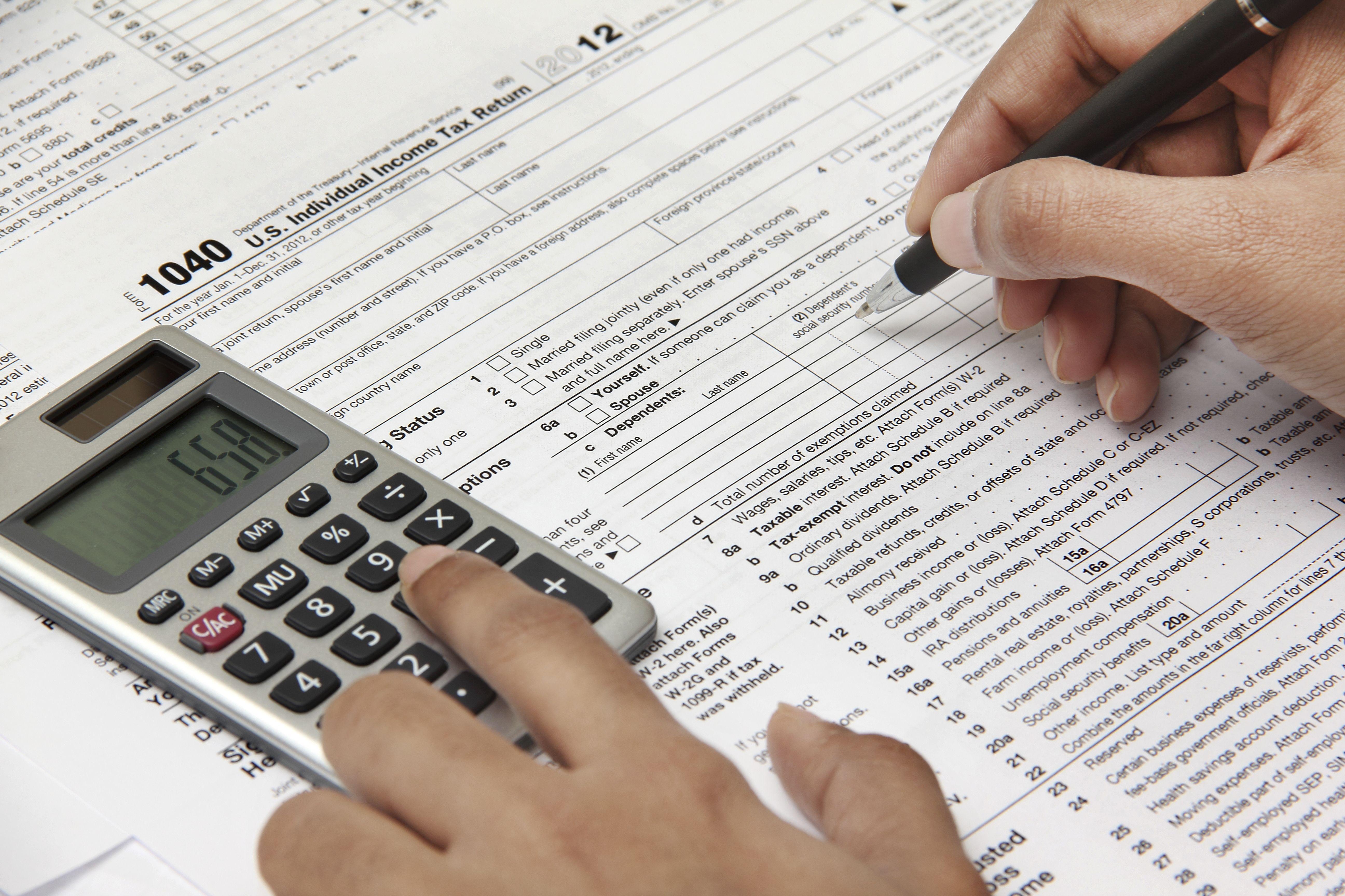 Declaración de la renta: Servicios de Asesoría Elosan