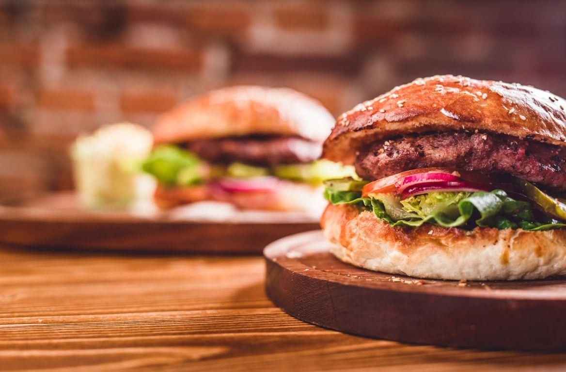 Sándwiches y hamburguesas: Carta de Taberna Tres Hermanos