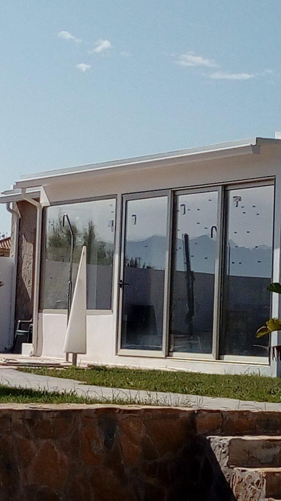 Foto 5 de Instalación de canalones de aluminio en  | Vicente Canalones