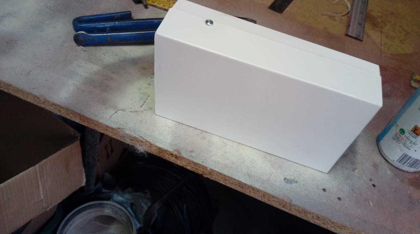 Instalación de canalones con camión taller
