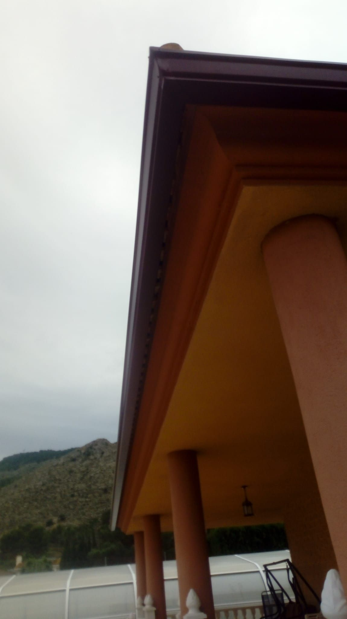 Instalación de canalones Alicante