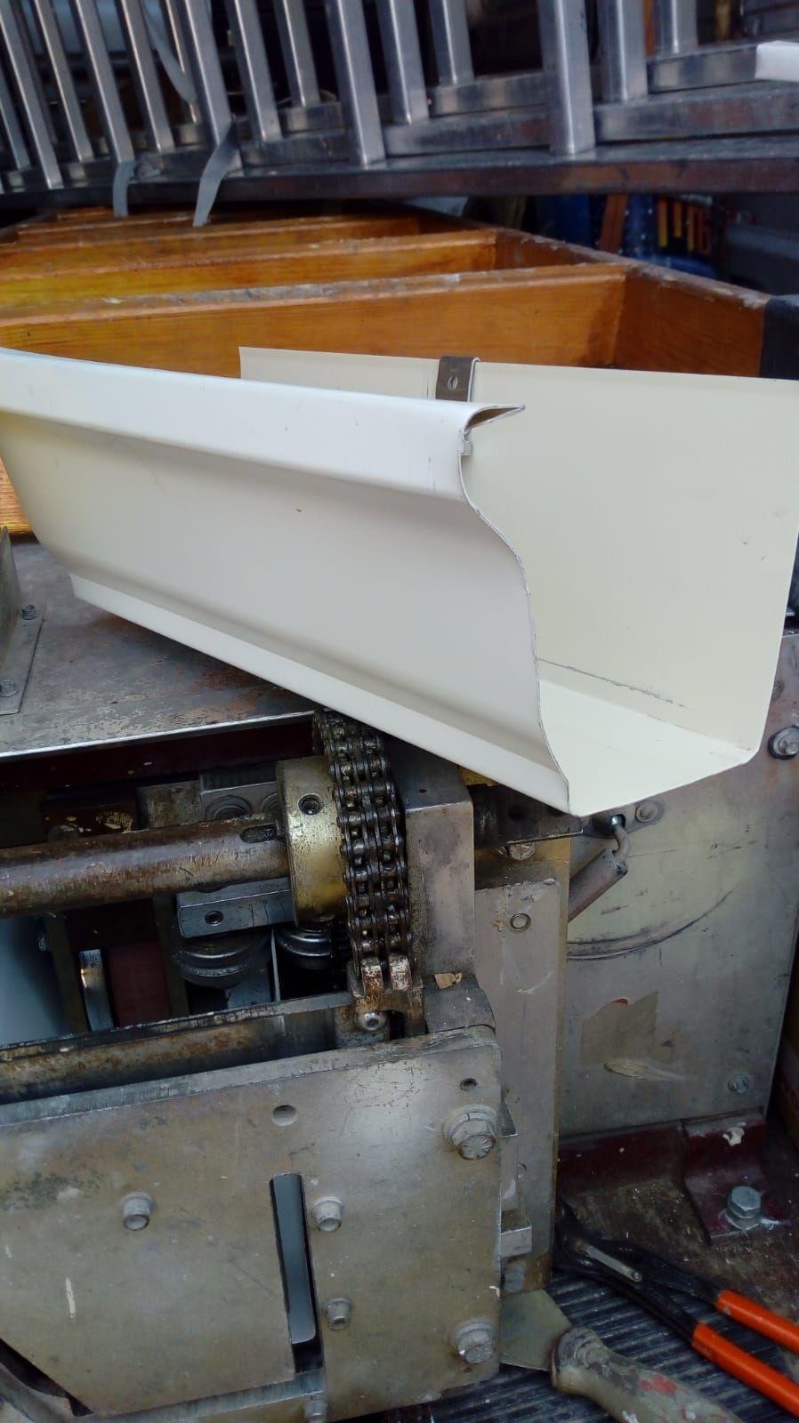 Formato Canalon aluminio continuo cornisa