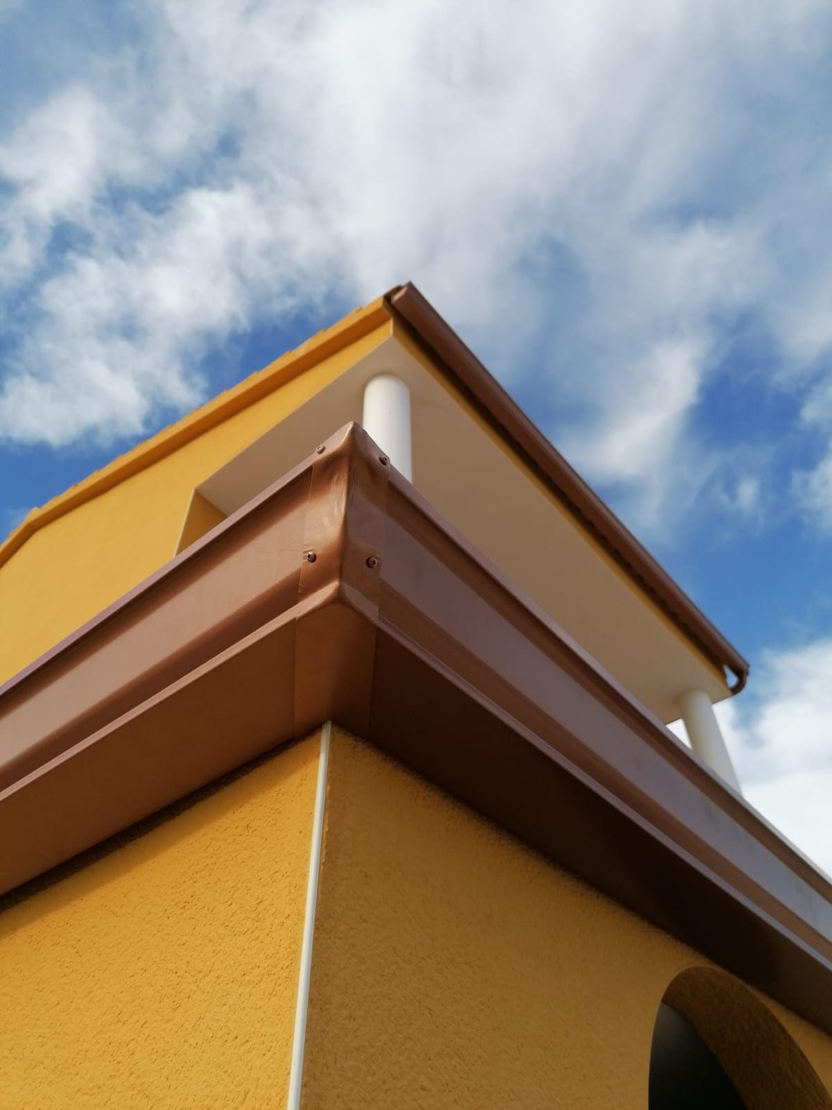 Foto 208 de Instalación de canalones de aluminio en  | Vicente Canalones