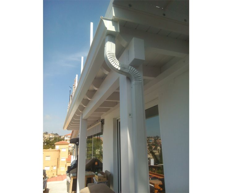 Canalones de aluminio para porches en Alicante
