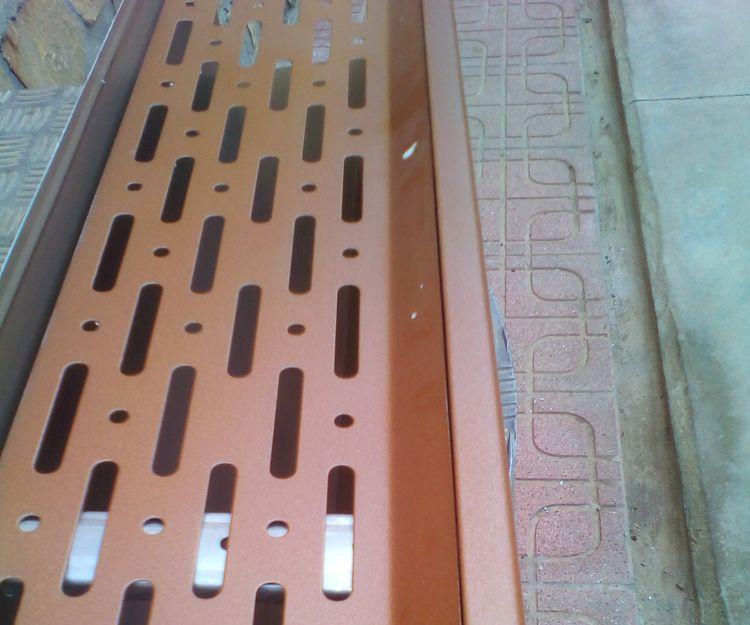 Canalones y accesorios de aluminio en Alicante