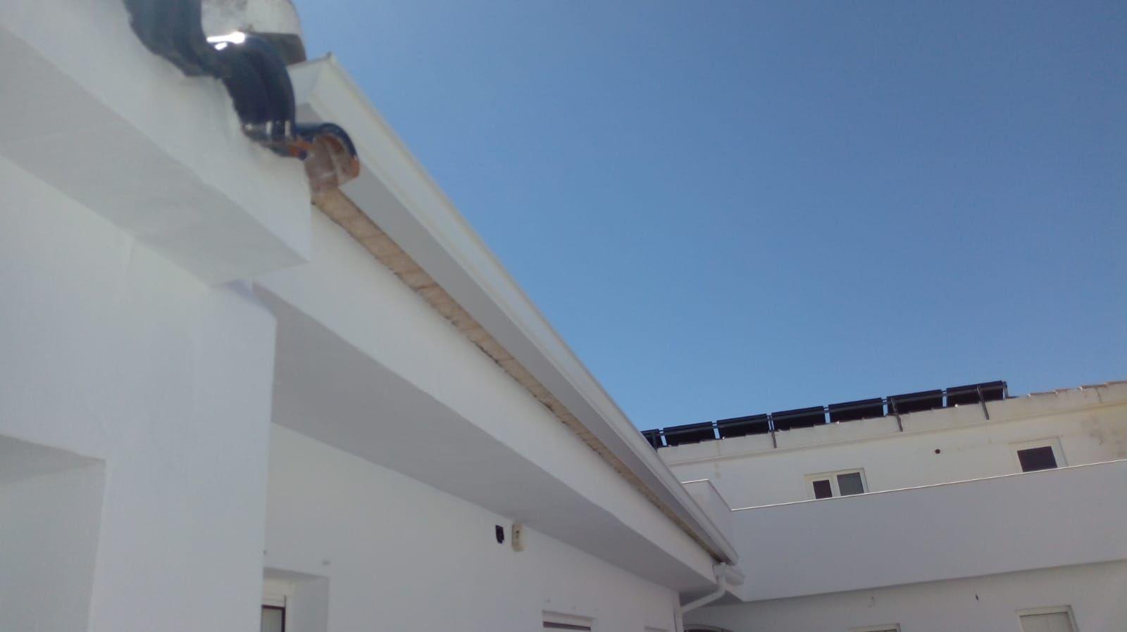 Foto 106 de Instalación de canalones de aluminio en  | Vicente Canalones