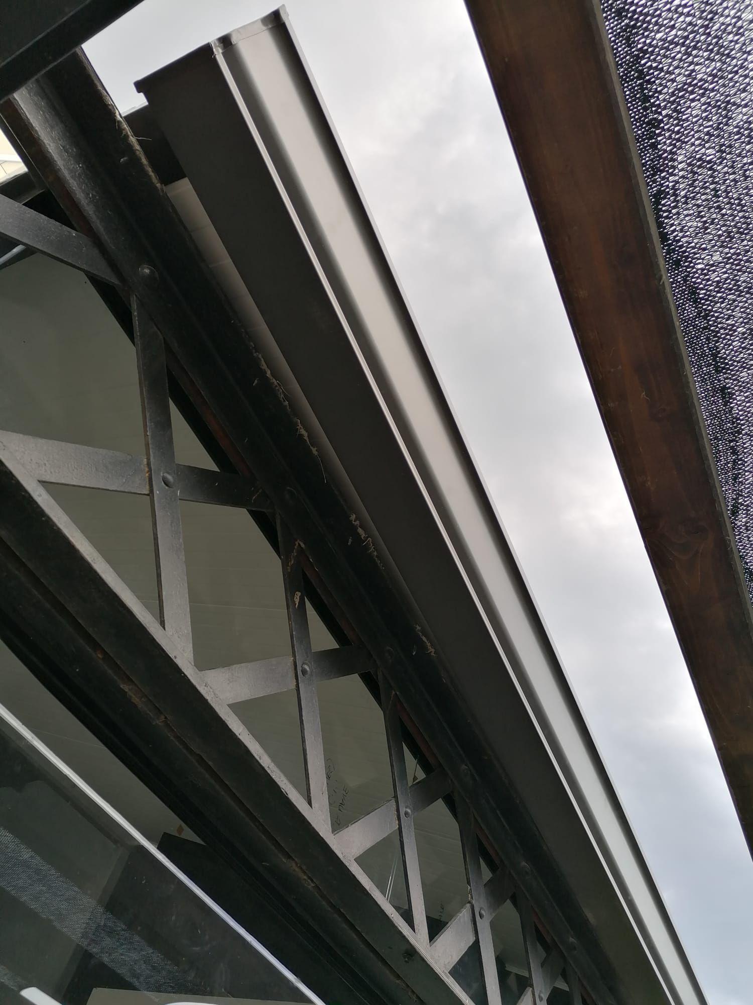 Foto 482 de Instalación de canalones de aluminio en  | Vicente Canalones