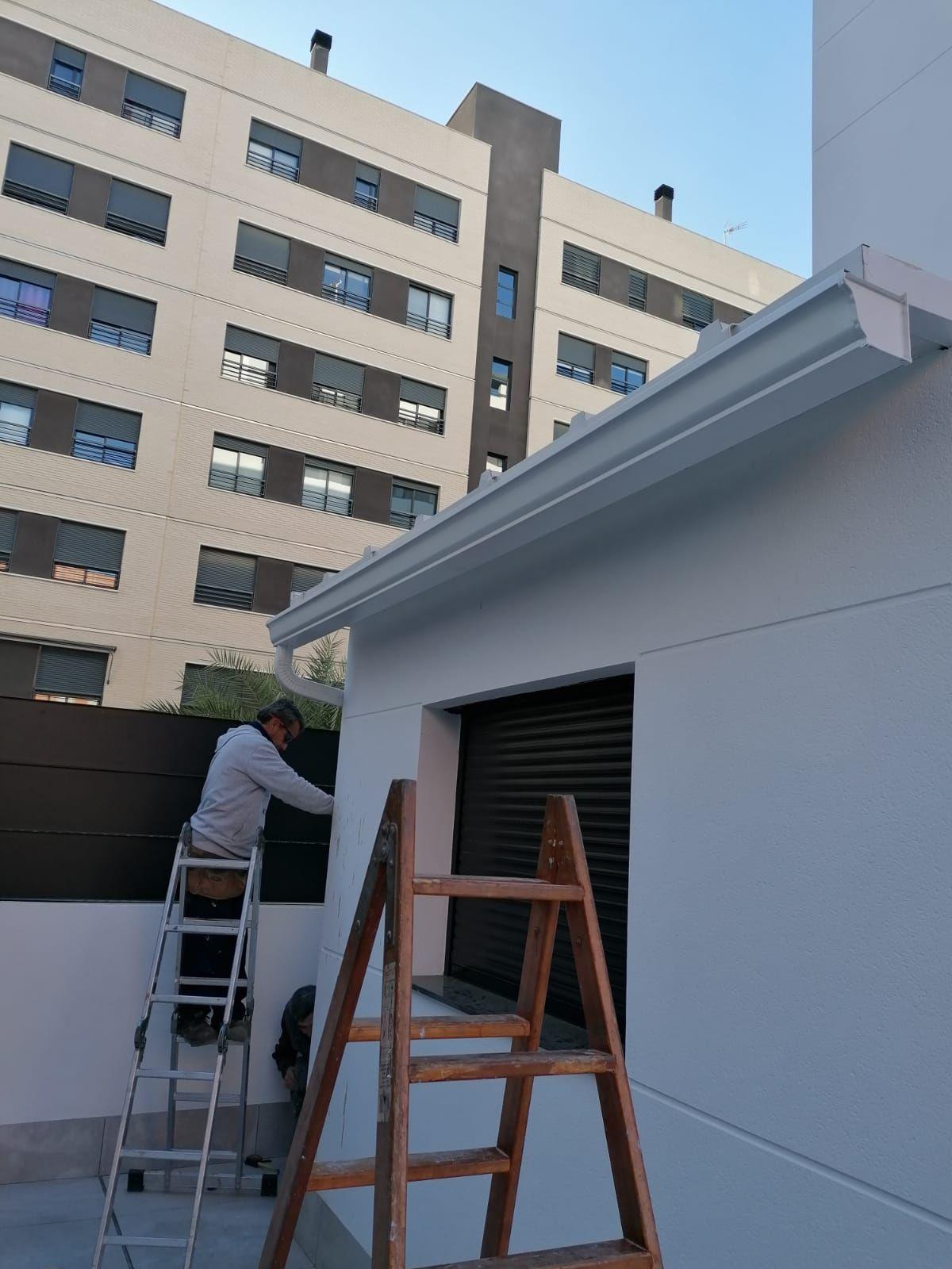 Foto 217 de Instalación de canalones de aluminio en    Vicente Canalones