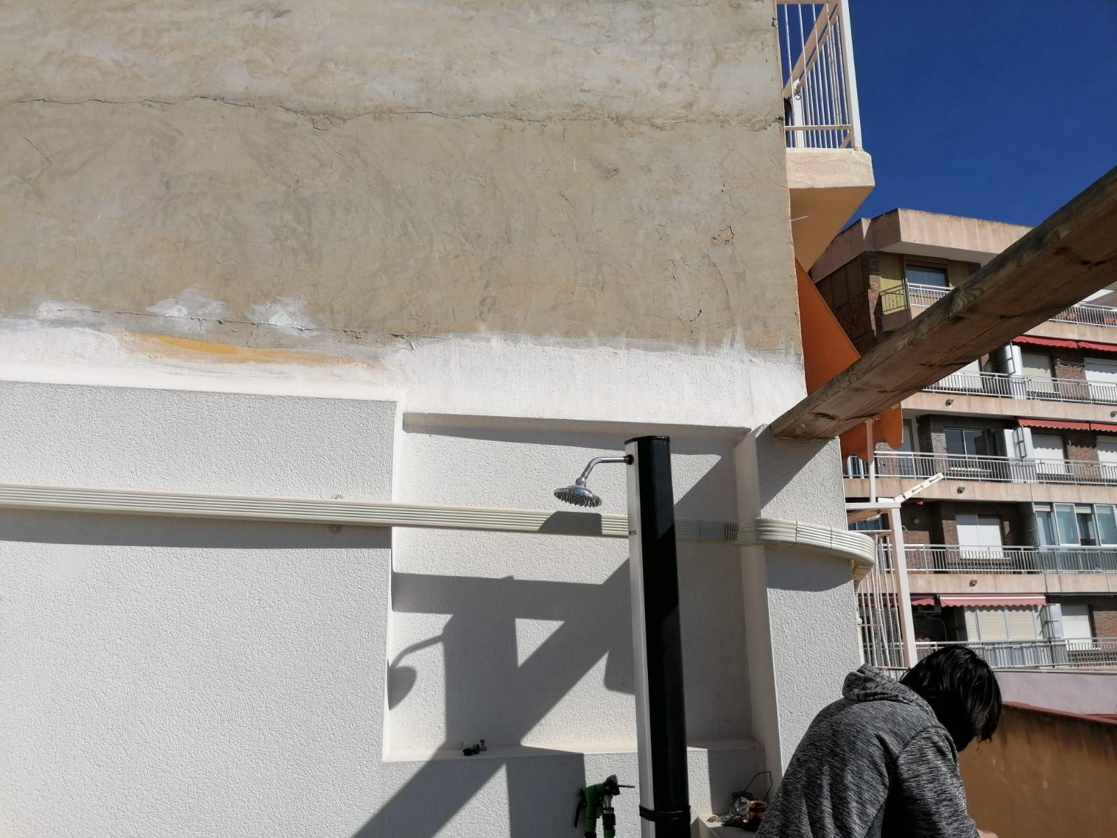 Foto 213 de Instalación de canalones de aluminio en    Vicente Canalones