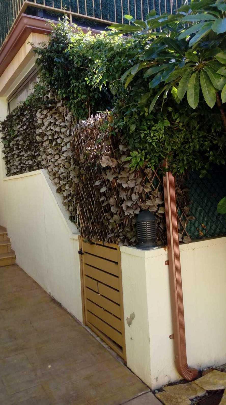 Foto 377 de Instalación de canalones de aluminio en  | Vicente Canalones