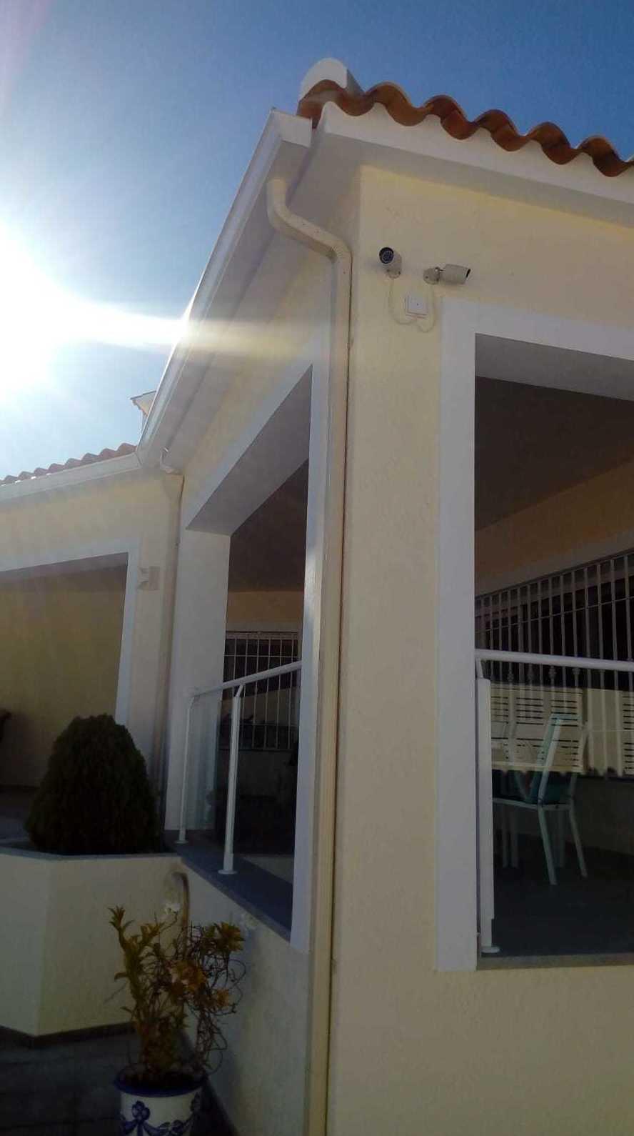 Foto 32 de Instalación de canalones de aluminio en  | Vicente Canalones