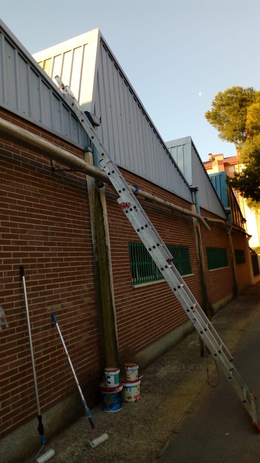 Foto 241 de Instalación de canalones de aluminio en  | Vicente Canalones