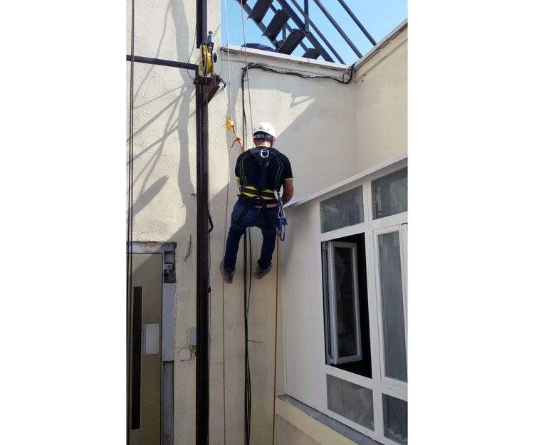 Especialistas en trabajos verticales en Madrid