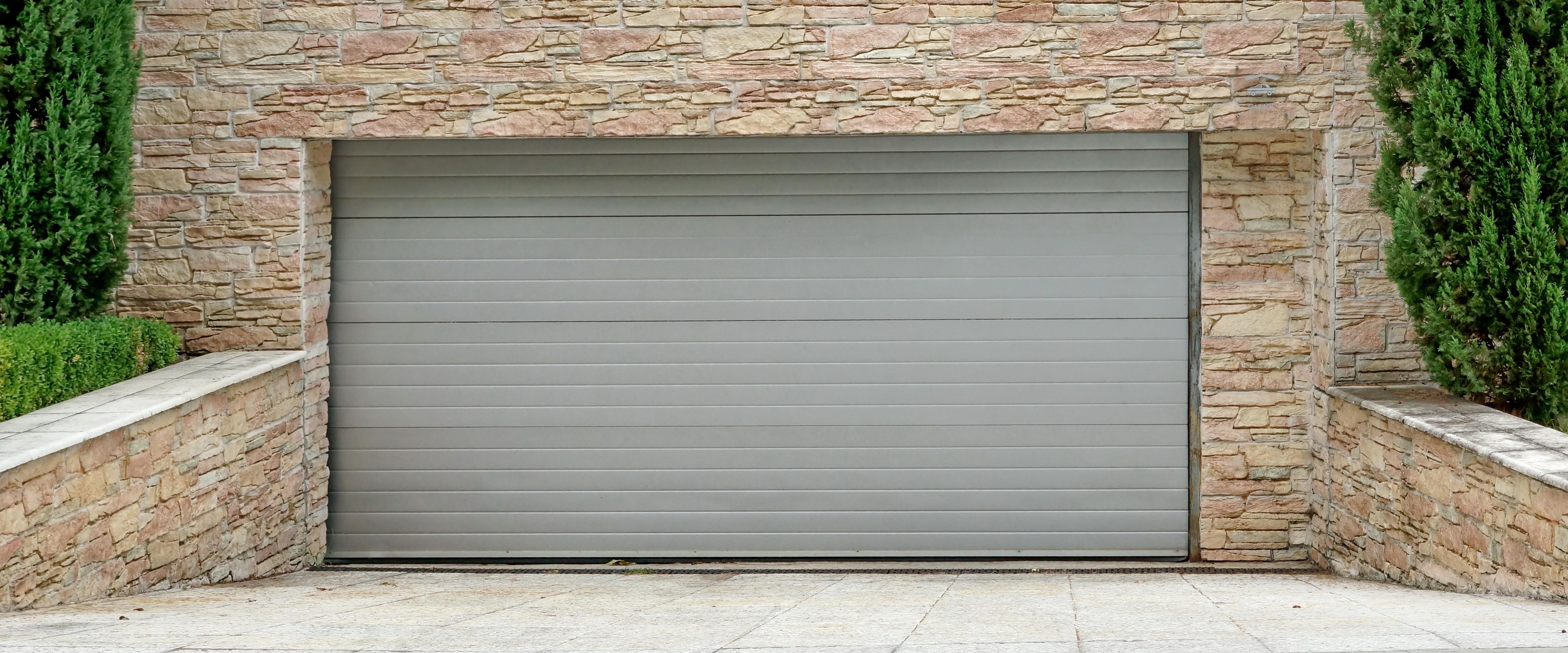 Automatismos de puertas de garaje: Productos y servicios de G&S Servicios