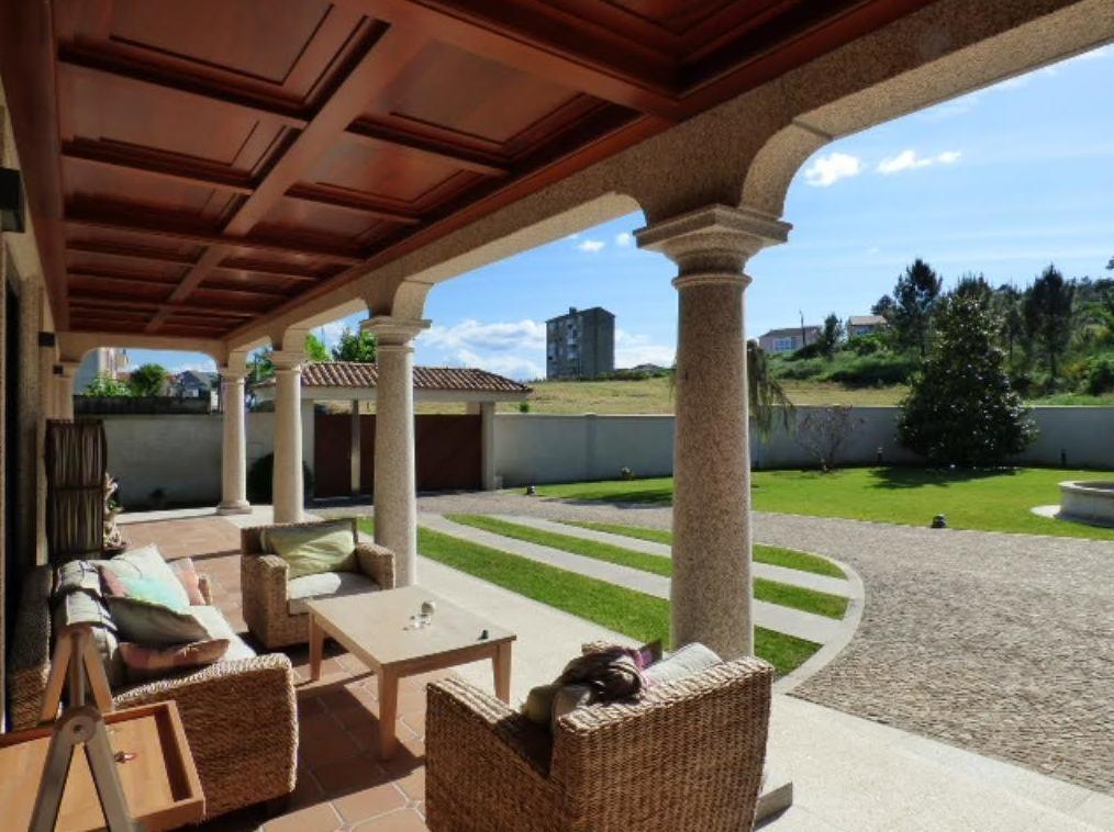 Foto 2 de Inmobiliarias en Ourense | Aracil Inmobiliaria