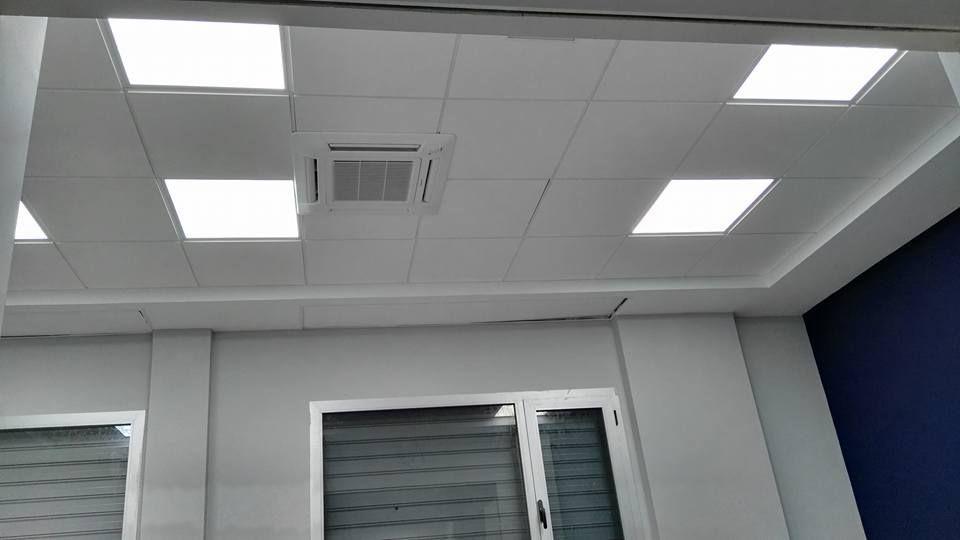 Iluminación en techo técnico