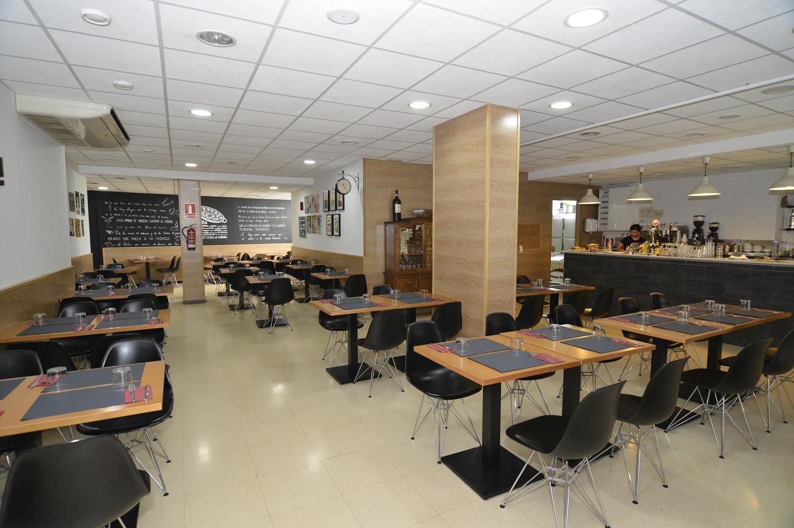Interior restaurante A la Cazuela de Viladecans