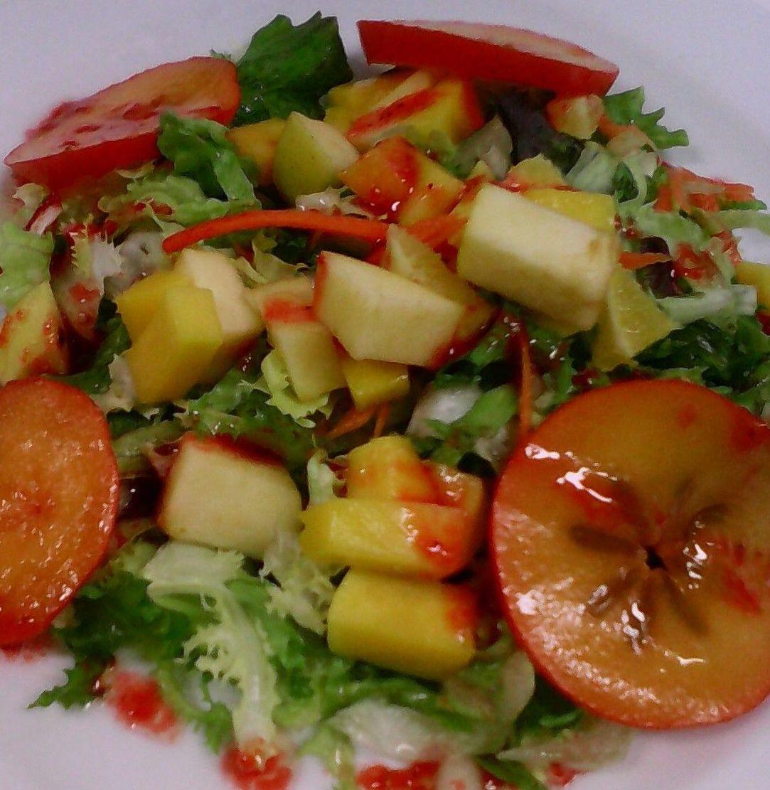 Ensalada tropical de caqui y mango