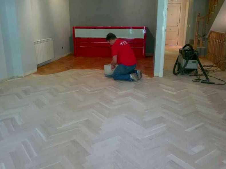 Acuchillado y barnizado de suelos de madera en Madrid