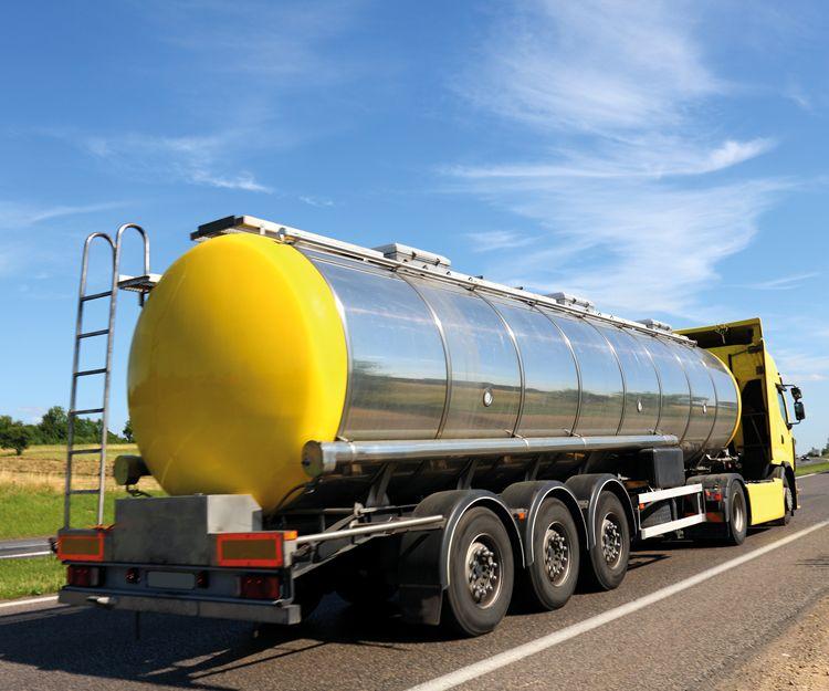 Transporte de combustibles por carretera