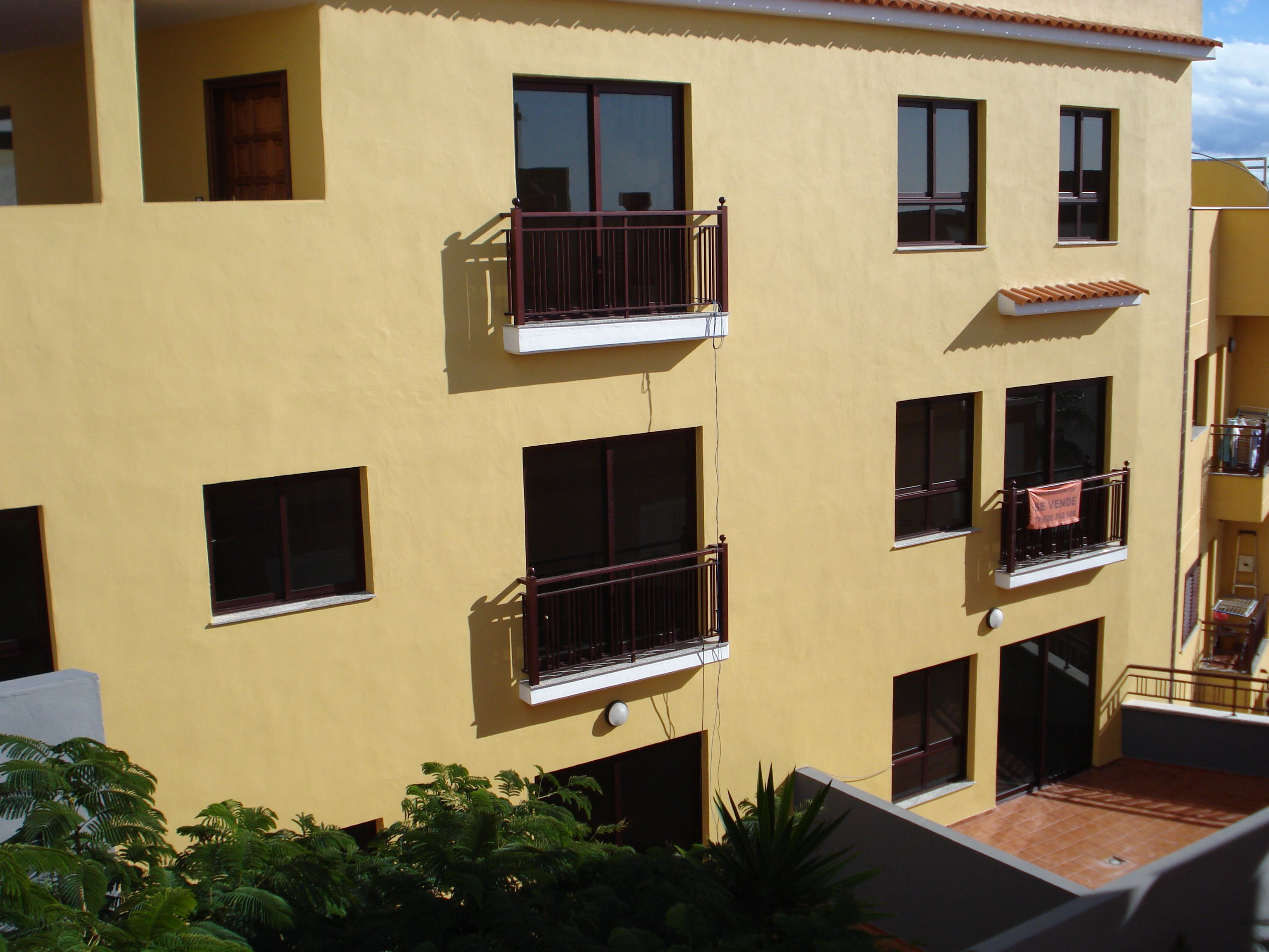 Pintura en fachadas e interiores