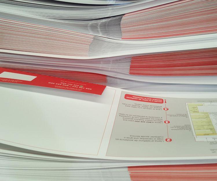 Servicio de plastificado de trabajos en papel