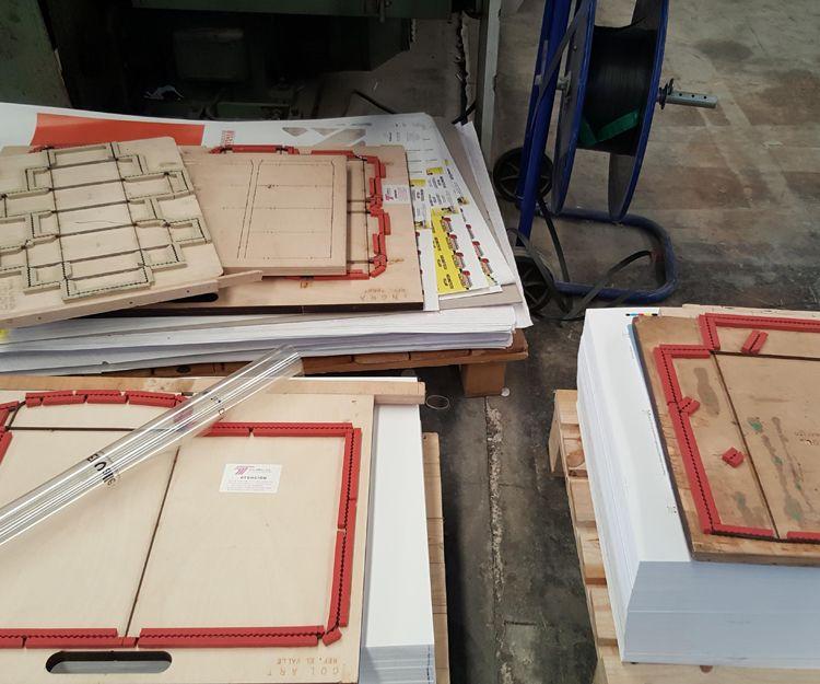 Trabajos de serigrafía sobre papel