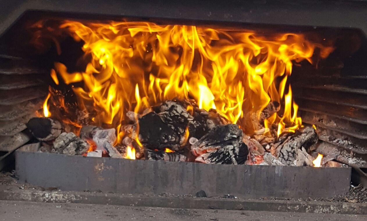 Pizzas en horno de leña en Gavà