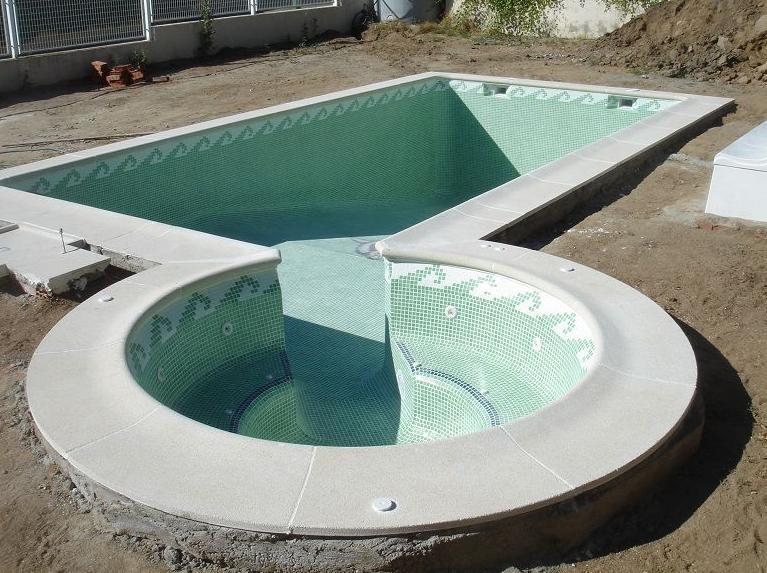 Foto 17 de piscinas instalaci n y mantenimiento en for Piscinas con jacuzzi precio