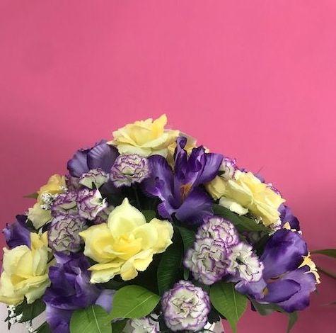 Flores artificiales para el dia de todos los santos.