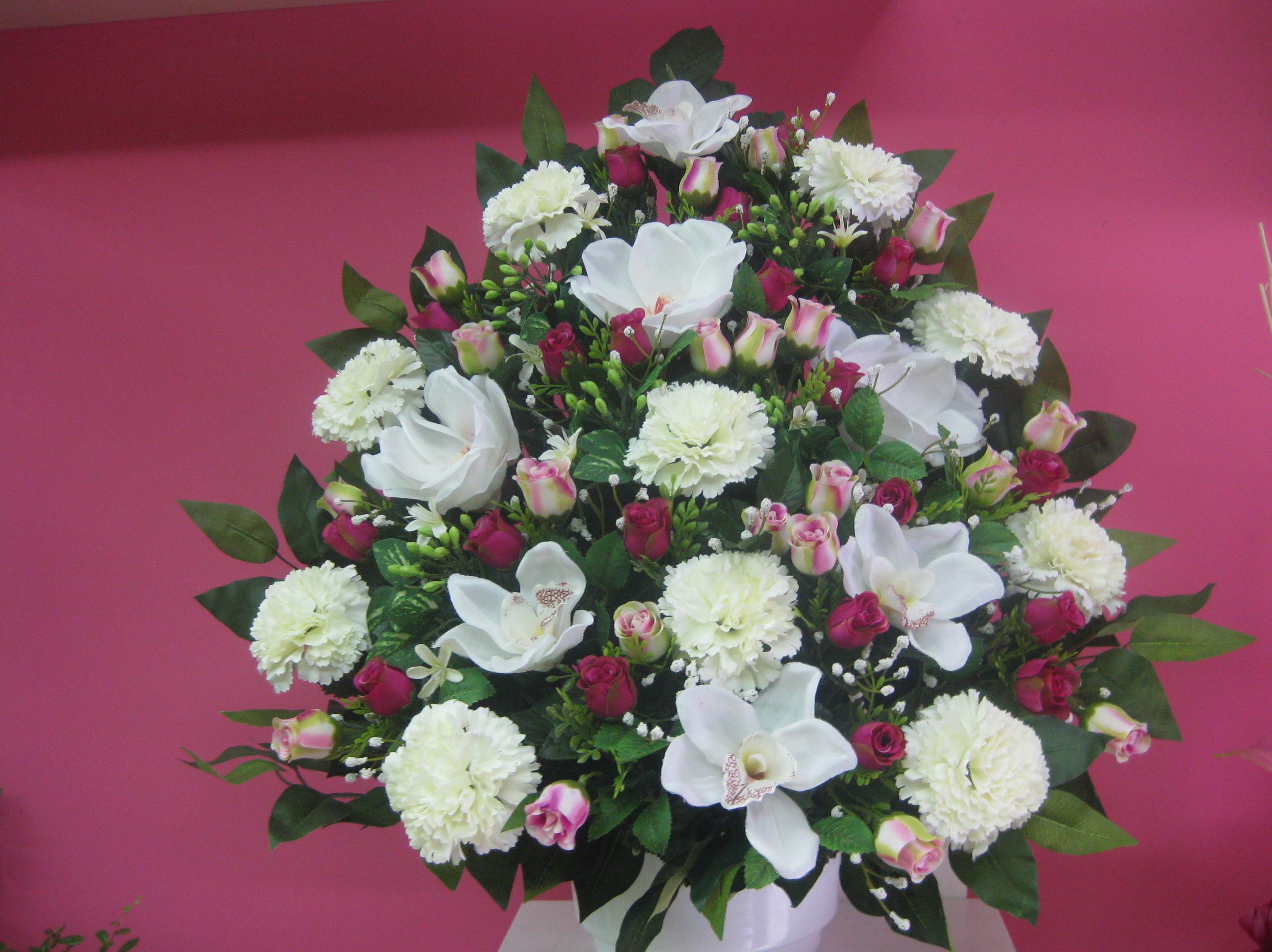 centro artificial de orquideas rosas y claveles