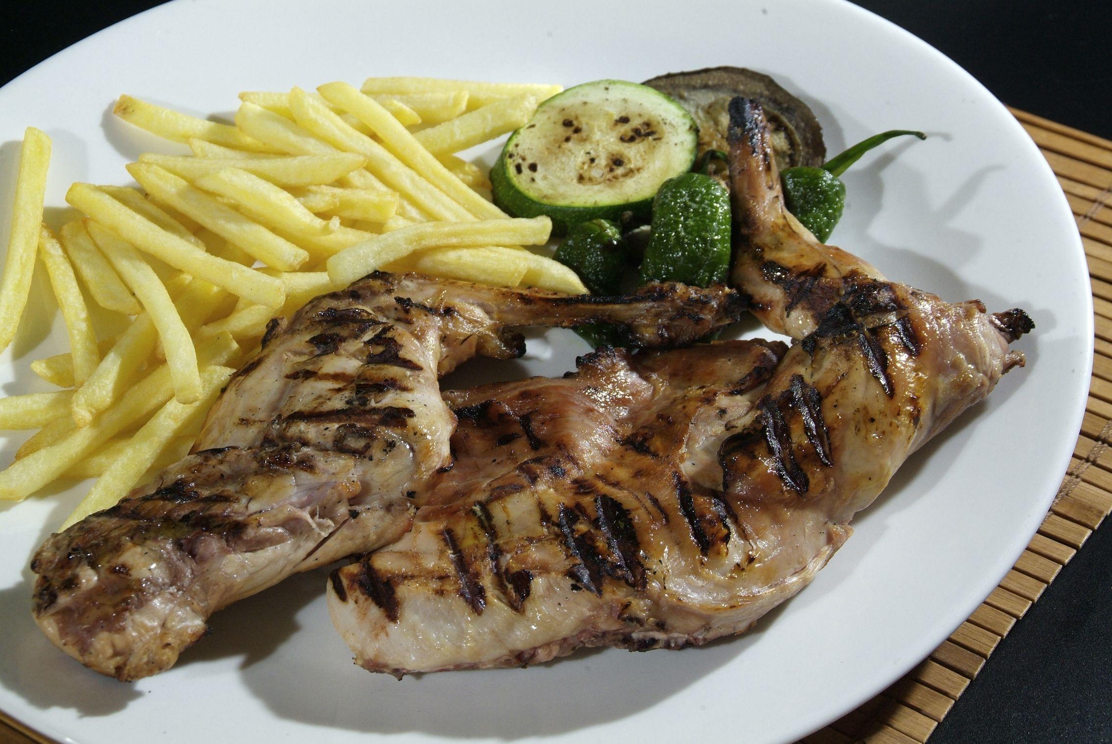 Foto 32 de Restaurante de cocina tradicional en Gerona en Lloret de Mar | Cantarradas