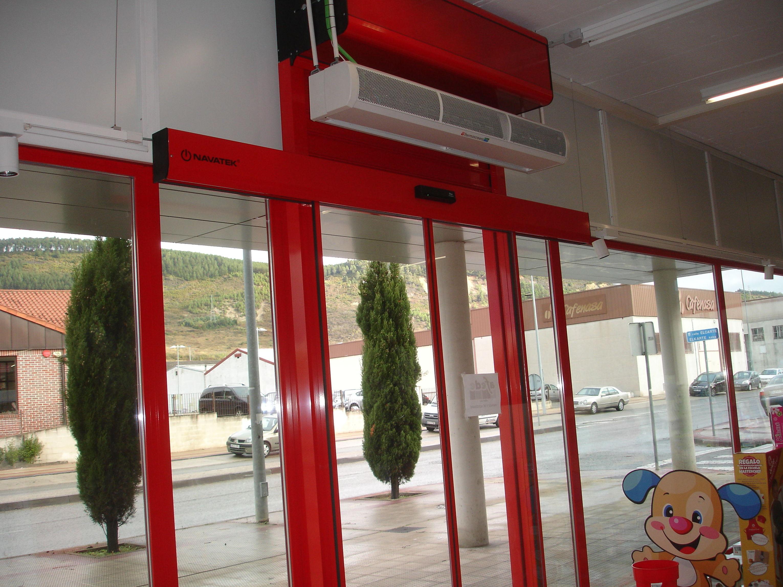 Instalación de puertas automáticas en Navarra (Navatek)