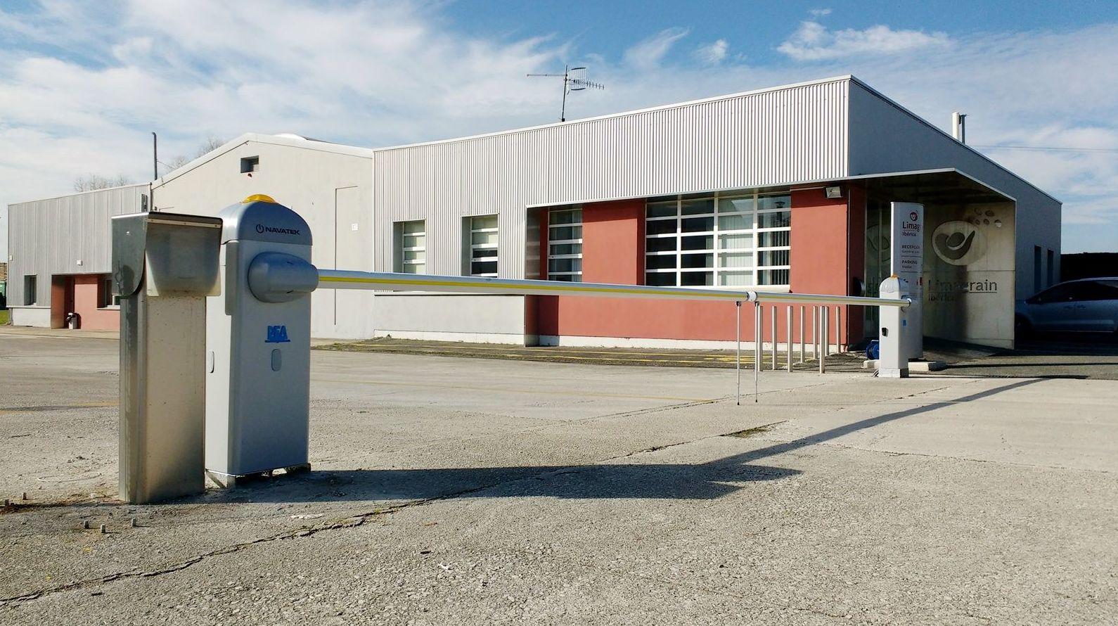 Foto 35 de Puertas automáticas en Galar   Navatek Puertas Automáticas, S.L.