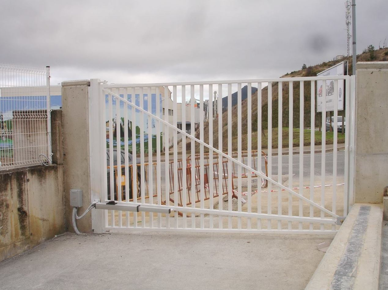 Instalacion motor puerta navarra