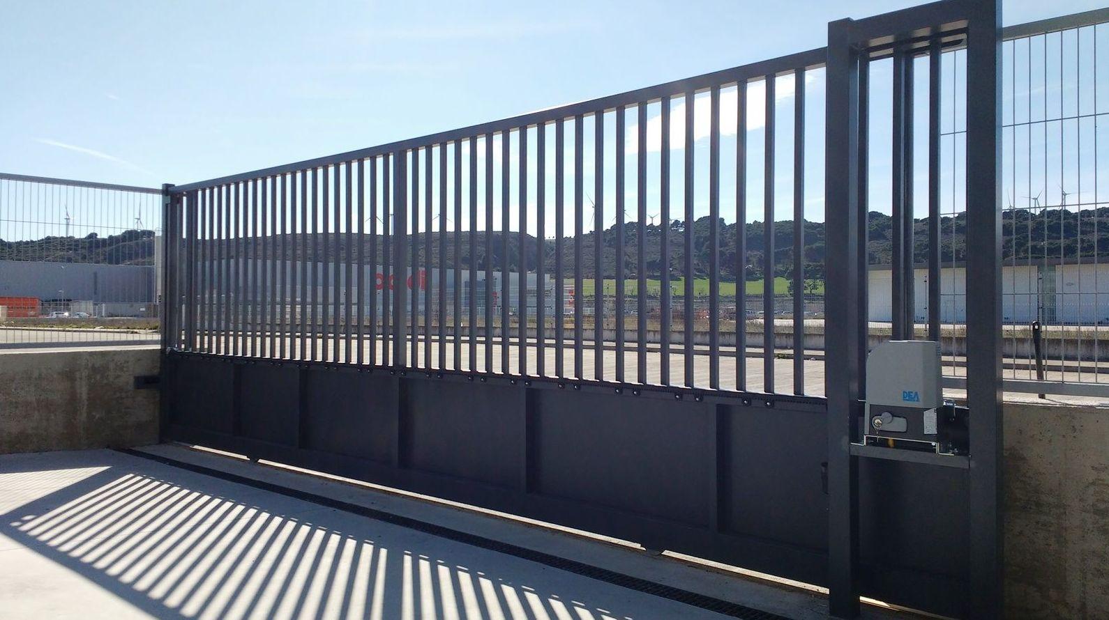 Puertas Metalicas Servicios De Navatek Puertas Automaticas Sl - Puerta-corredera-metalica