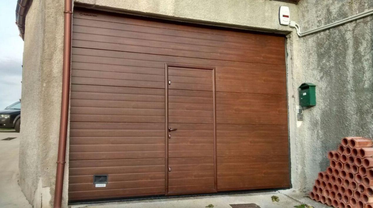puertas de garaje con puerta de paso peatonal navarra