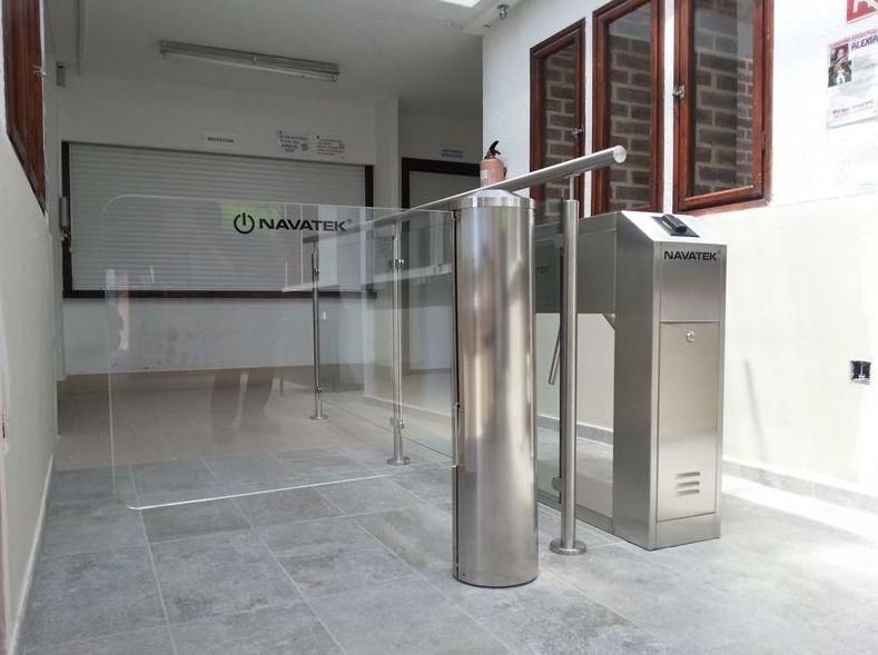 Instalación de tornos para el control de accesos en Navarra